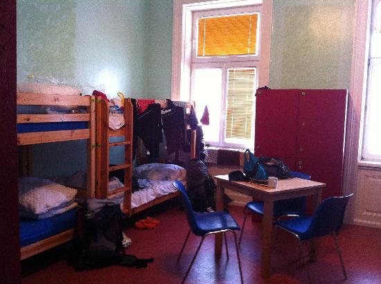 Westend City Hostel: ドミトリー10人部屋