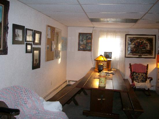 Billie's Backpackers Hostel: Common Area