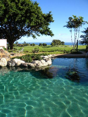 Wyndham Ka 'Eo Kai: Pool side with golf course and ocean in background