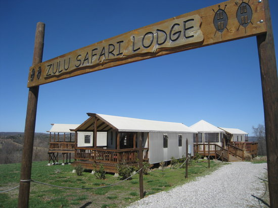 Turpentine Creek Wildlife Refuge : Zulu Safari Lodge