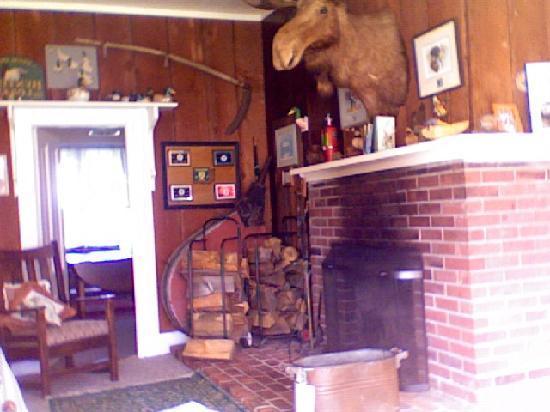 Tokeland Hotel: fireplace room