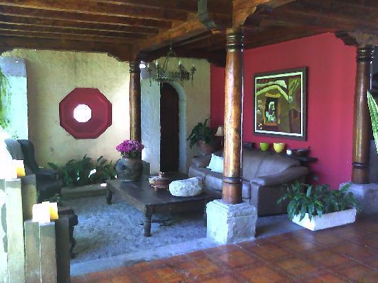 Hotel Casa La Capilla: lobby/sitting area
