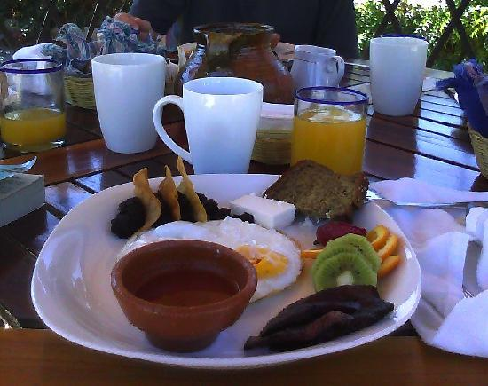 Hotel Casa La Capilla: guatemalan breakfast option fried or scrambled