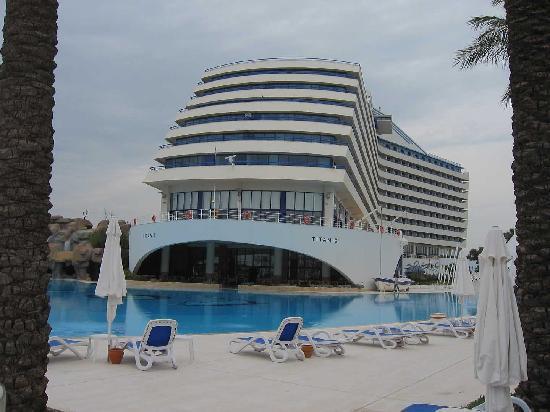 Titanic Beach Lara Hotel : titanic