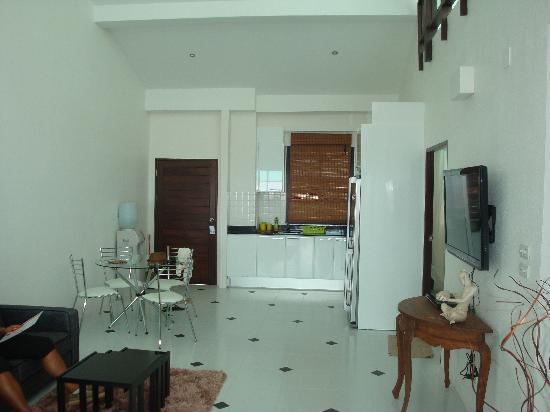 Sai Naam Lanta Residence: kitchen