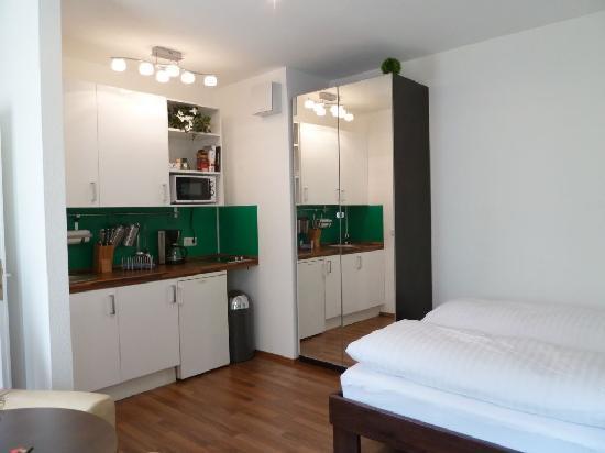 B! Apartments: City Park Apartment