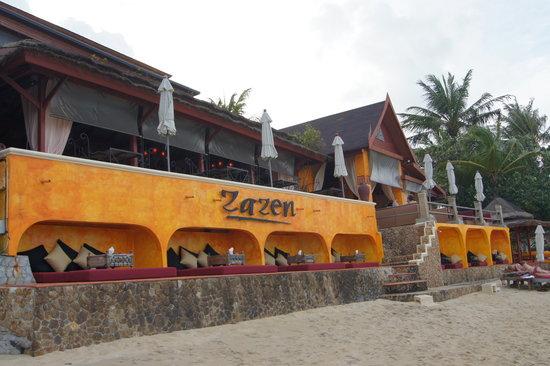 Zazen Restaurant: Sicht vom Strand aus