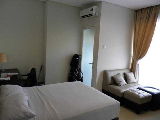 Thamrin Residence Condotel: Lake View Room