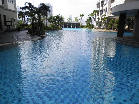 Thamrin Residence Condotel: Pool
