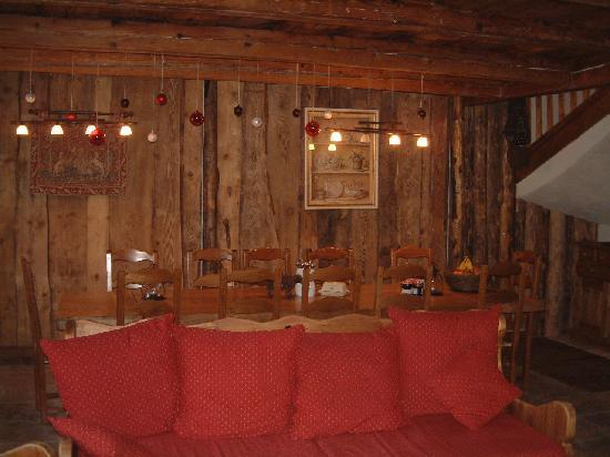 The Barn: Dining Area