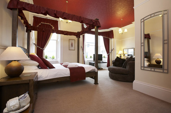 Ravensworth House: Our four poster suite, Derwentwater