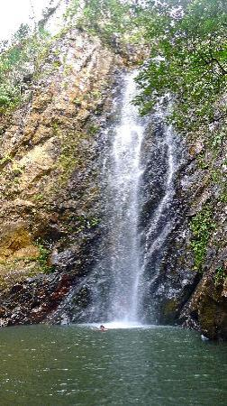 Ono Island, ฟิจิ: Mai Dive waterfall swim