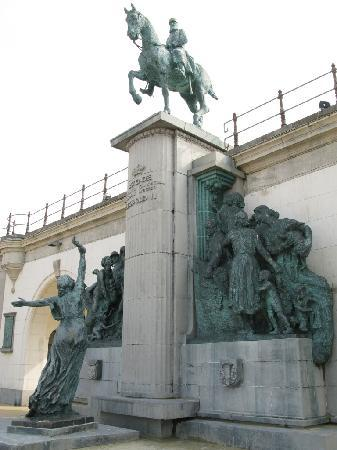 Oostende, België: Denkmal Leopold II.