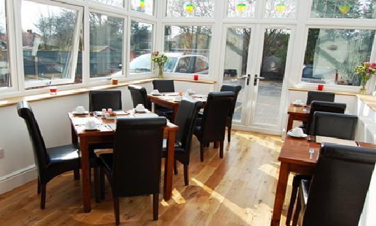 Devonshire Hotel: In the morning, enjoy a delightful breakfast in our conservatory.