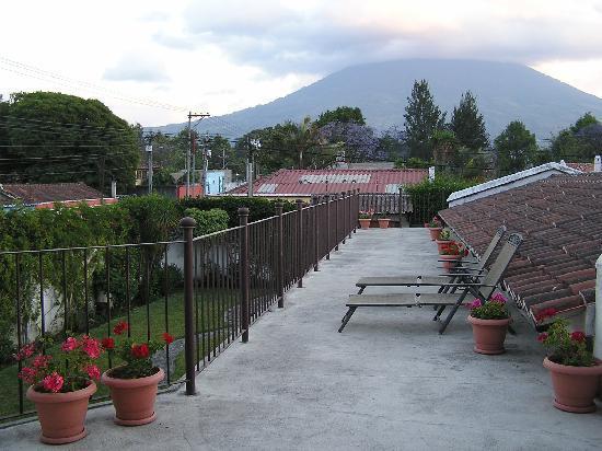 Chez Daniel: upstairs terrace