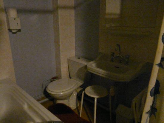 Eole Hotel : La salle de bains