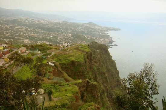 Камара-де-Лобос, Португалия: Madeira, eine Insel der Steilküsten