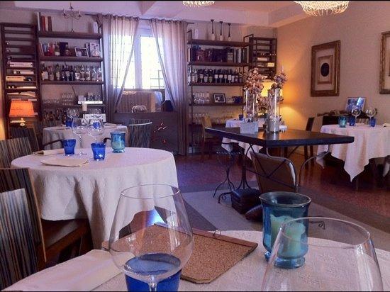 Osteria del Mare : dentro il ristorante