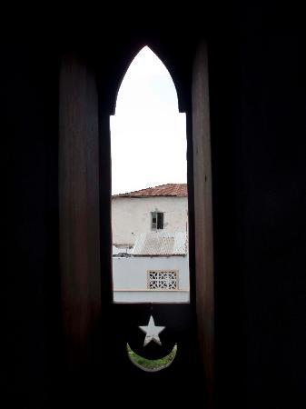 Lamu House Hotel: One of a series of windows in our room