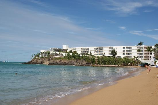 Langley Resort Hotel Fort Royal Guadeloupe : Hotel and beach.
