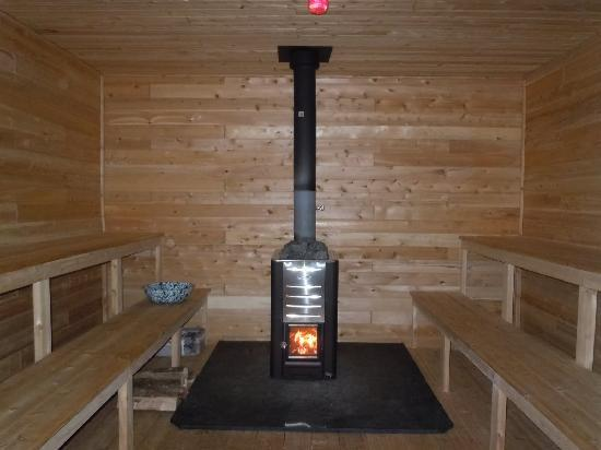 AMC Gorman Chairback Lodge and Cabins: Wood Fired Sauna