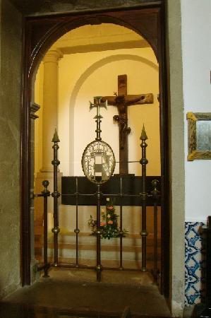 Igreja de Nossa Senhora do Monte: Der Sarg von Kaiser Karl I., dem letzten Habsburger Kaiser