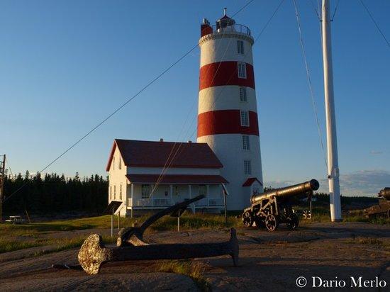 Baie-Trinite, Canada: Vista del faro e del ristorante