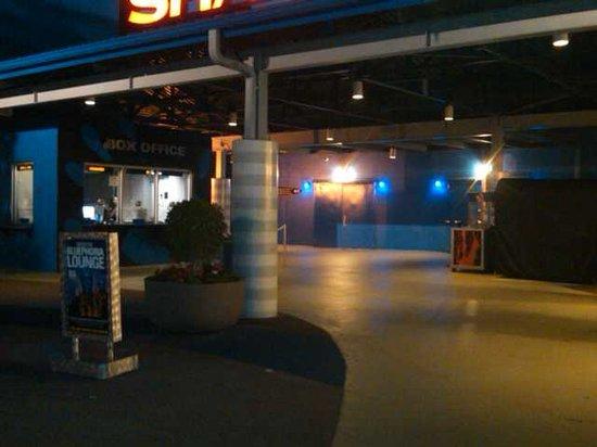 Blue Man Group: Entrance