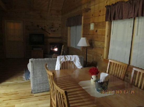 Country Road Cabins: Inside view