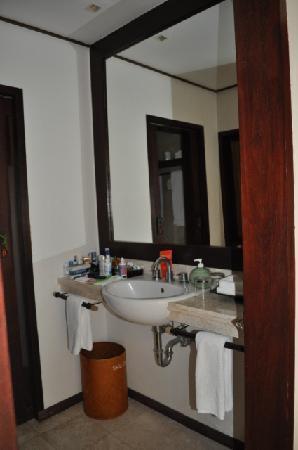 Kima Bajo Resort & Spa, Manado : Our Bathroom (indoor sink part)