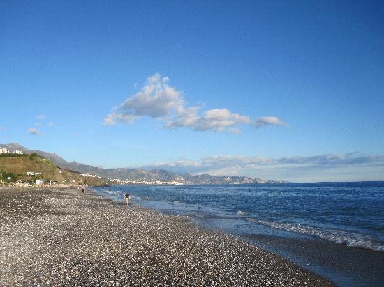 Apartamentos Fuerte Calaceite: The beach right for the door (not so bad !!!)
