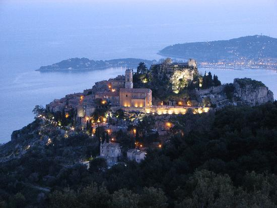Domaine Pins Paul : View from the terrace: Eze at nighttime
