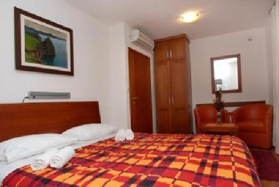 R Club Apartments : LUX APP 109