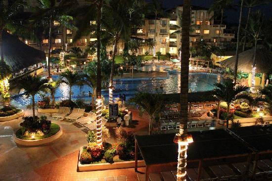 Canto Del Sol Plaza Vallarta: Canto in Evening