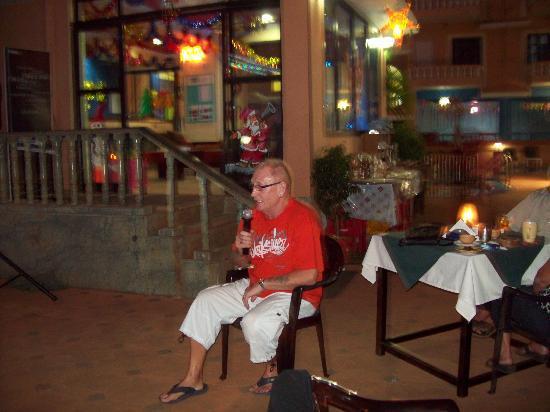 Ticlo Resorts: Jimmy on Kareoki in hotel
