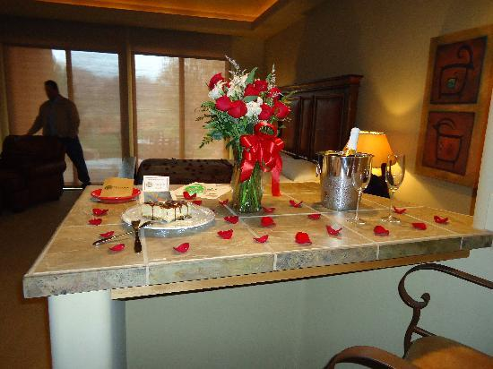 The Inn at Entrada: Romance package..my wife loved it!