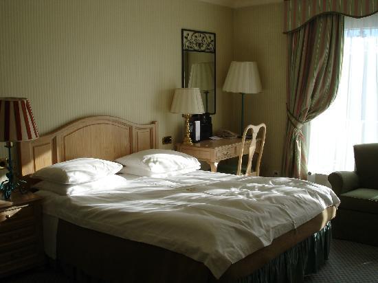 Grand Hotel du Golf & Palace: master bedroom