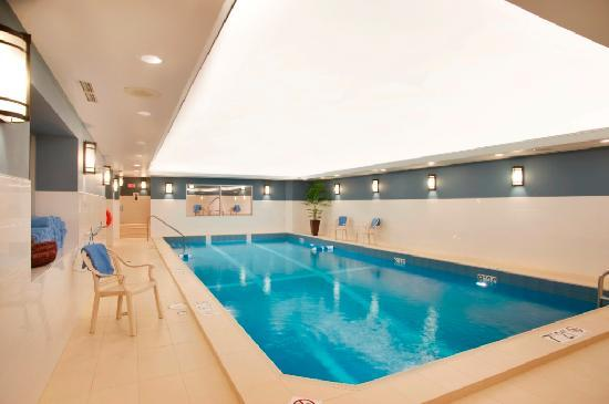 Best Western Plus Chocolate Lake Hotel: Our Salt Water Pool