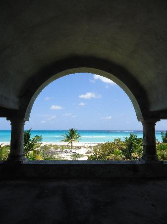 Secrets Maroma Beach Riviera Cancun: view from 2nd floor of abandoned mansion