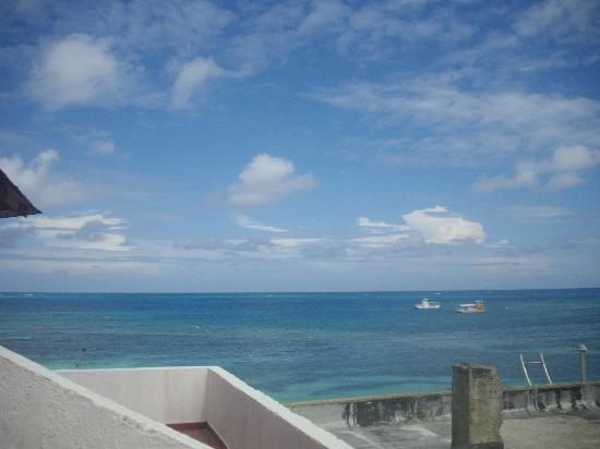 Hotel Calypso: La vista desde el patio de la habitación, en el segundo piso