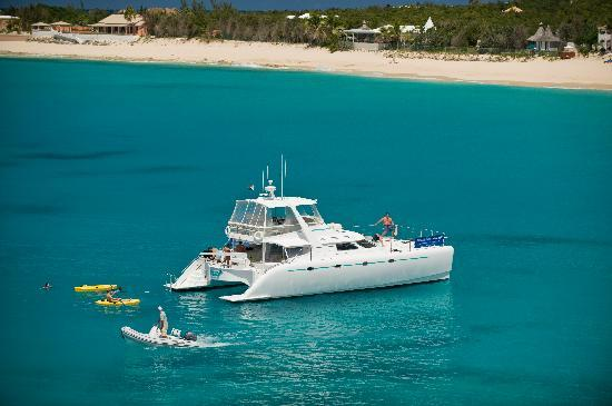 Private Yacht Charter SXM: Saint Polly girl power catamaran 52