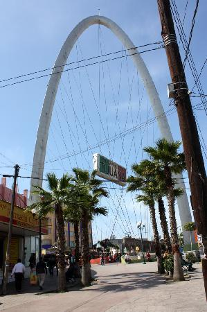 Tijuana, Mexico: The arch marks the spot