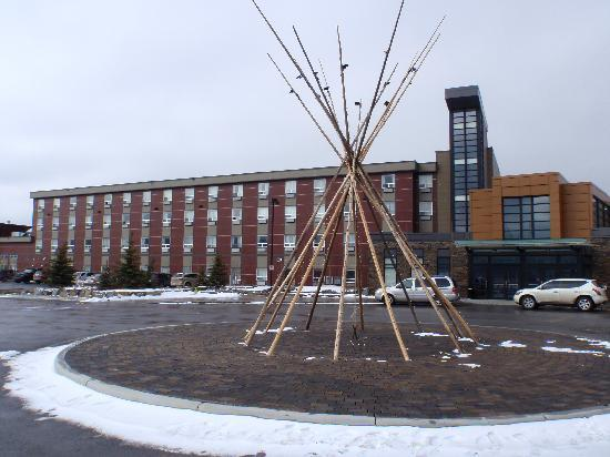 Stoney Nakoda Resort & Casino: MAIN ENTRANCE