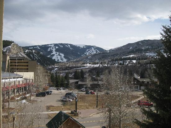 Lakeside Terrace: Beaver Creek Ski Resort view from room (15-30 min away by bus or gondola)
