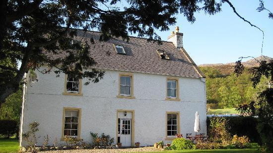 Front of Kerrysdale House and garden