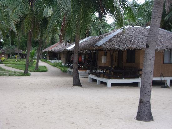 Budyong Beach Resort: choose your hut