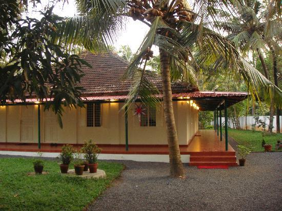 Palm Grove Service Villa: HOME AWAY FROM HOME