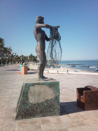 Club El Moro: Promenade sur le quai de La Paz