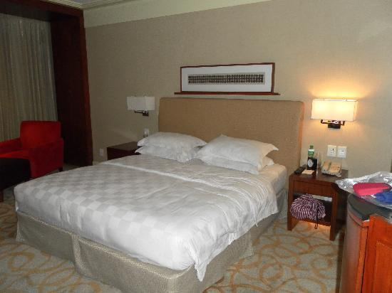New World Manila Bay Hotel: Our room
