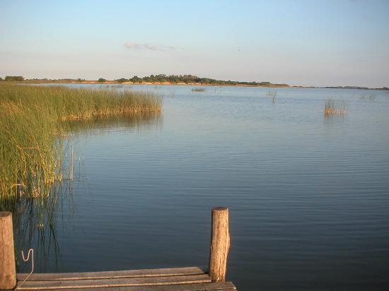 Estancia La Juanita: Vista de la laguna